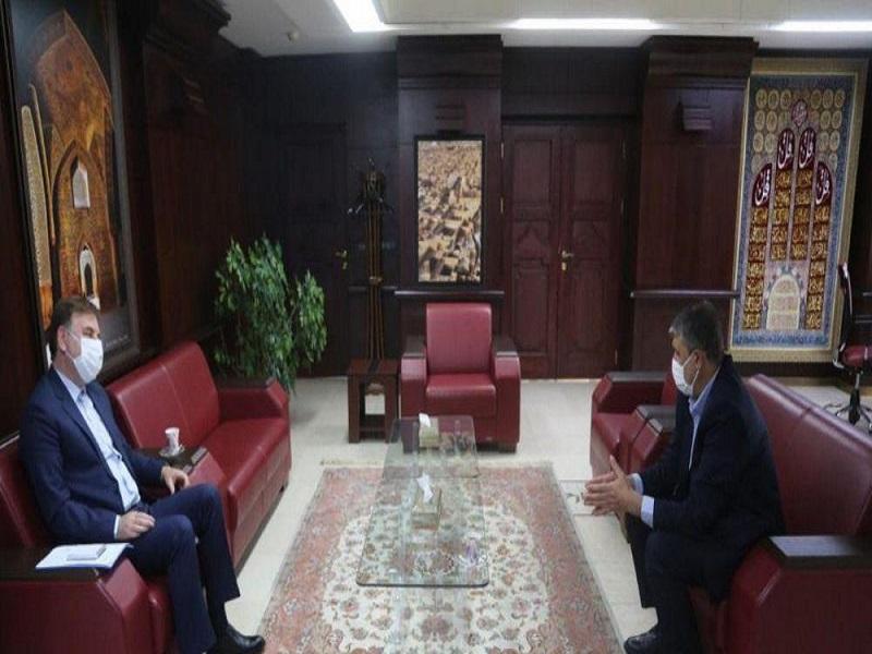 دیدار استاندار گیلان با وزیر راه و شهرسازی