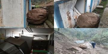 ریزش کوه در کوته کومه آستارا و تخریب یک کلاس کانکسی