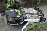 سقوط پراید در رودخانه سنگر