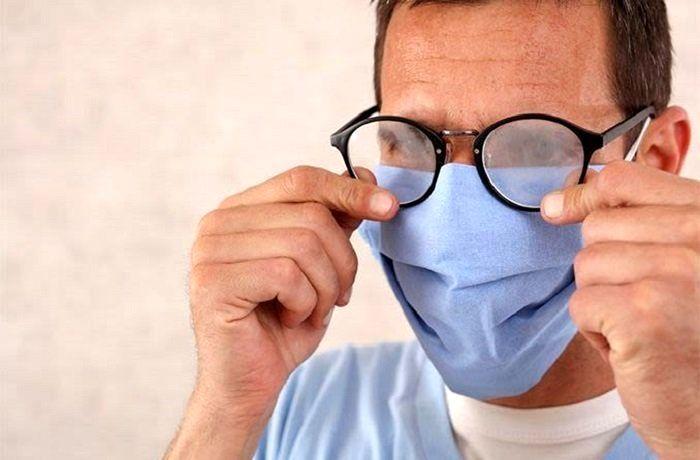 افراد دارای عینک سه برابر کمتر از دیگران به ویروس کرونا مبتلا می شوند