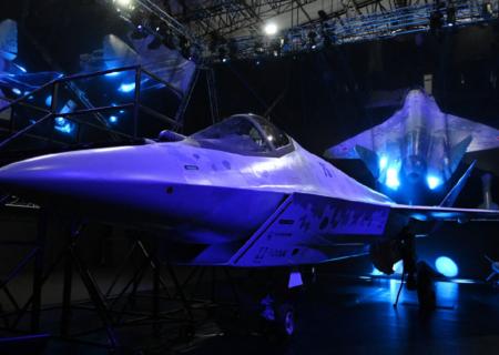 روسیه از رقیب اف-۳۵ آمریکا رونمایی کرد