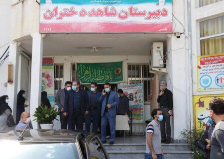 بازدید سر زده فرماندار از مرکز واکسیناسیون فرهنگیان رشت