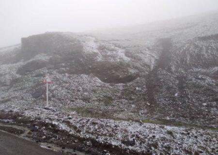 بارش برف پاییزی در ارتفاعات اسالم گیلان